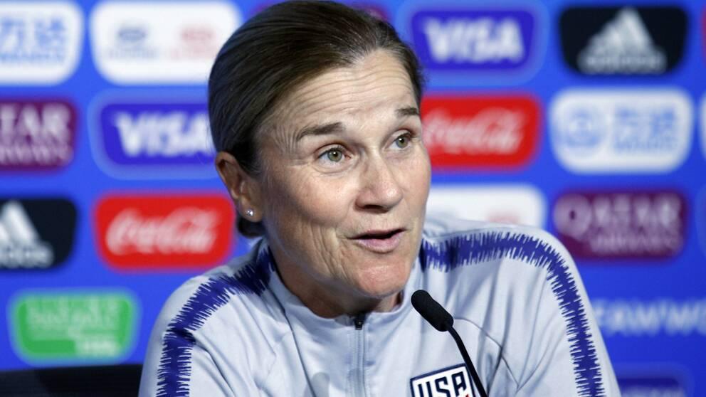 Jill Ellis ordförande för en ny klubb.