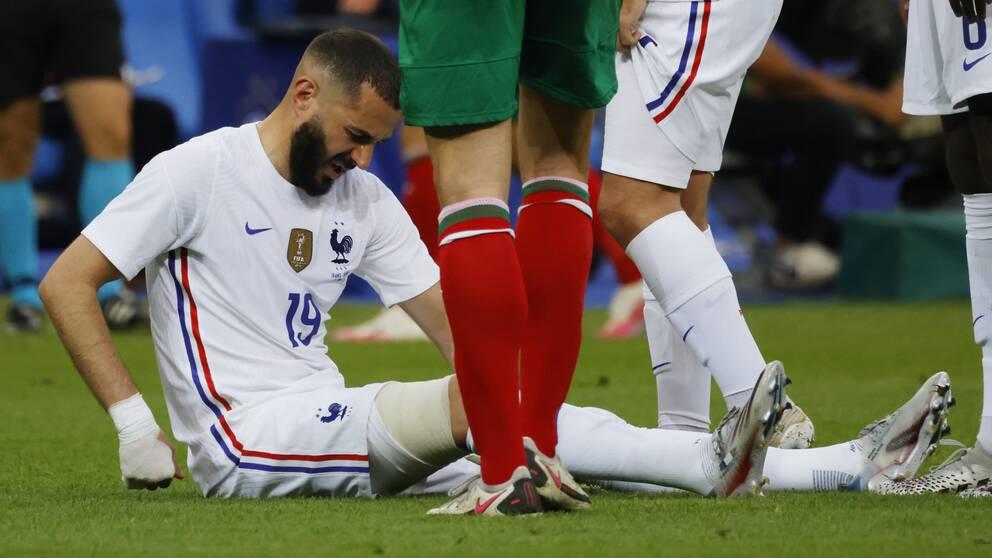 Karim Benzema skadade sig i matchen mot Bulgarien.