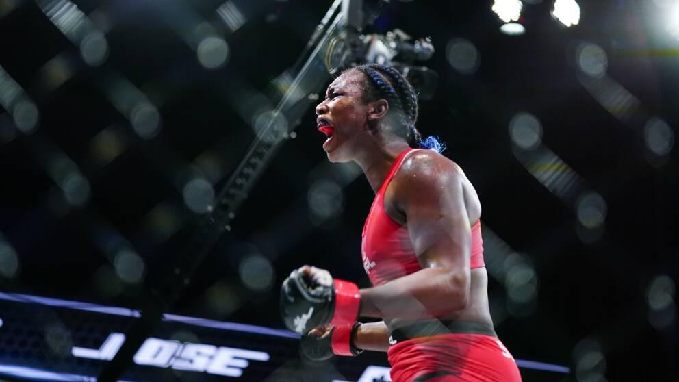 Claressa Shields vann sin MMA-debut.