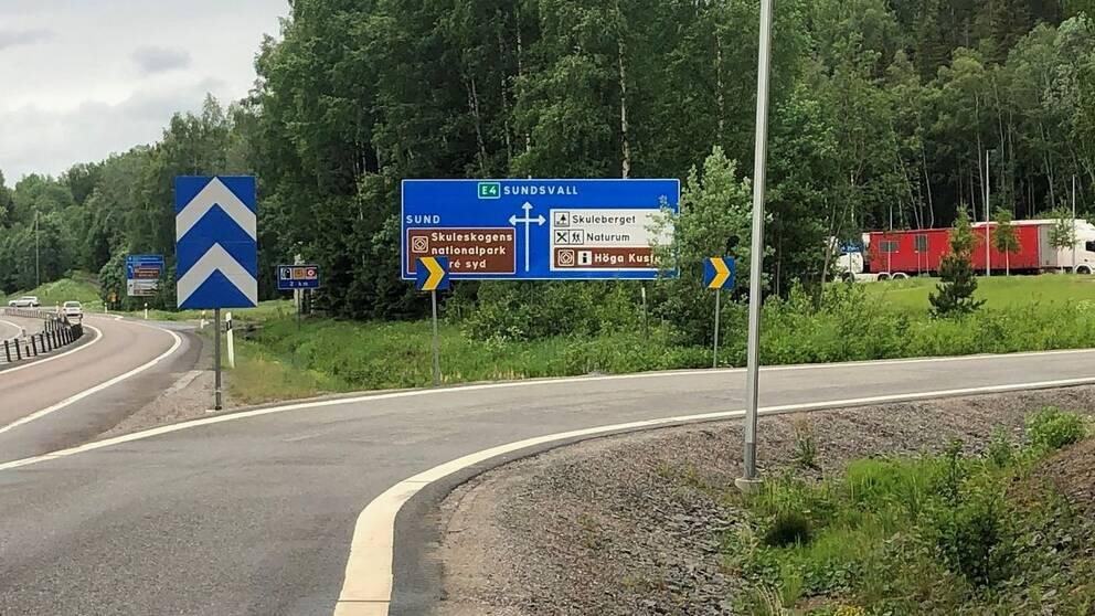 E4-avfart till Skuleskogen.