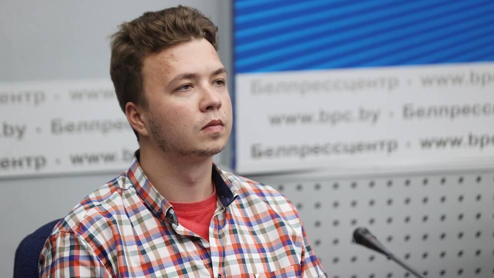 Roman Protasevitj på en presskonferens anordnad av Belarusiska myndigheter i juni 2021.