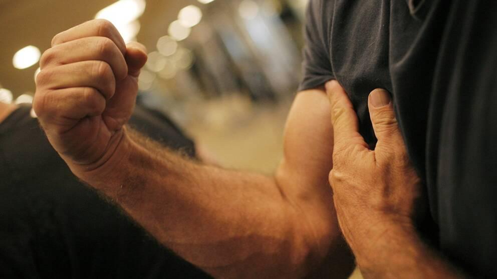 Könshormonet testosteron associeras ofta med typiskt manliga attribut som muskelkraft och sexuell förmåga. Men verkligheten är mer komplicerad än så. Testosteron som extra tillskott tycks nämligen inte påverka den sexuella förmågan alls.