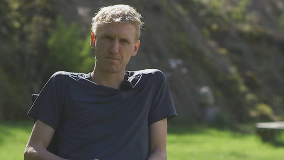David Nilsson bröt mot sitt sponsorkontrakt när han sprang sitt svenska rekordlopp.