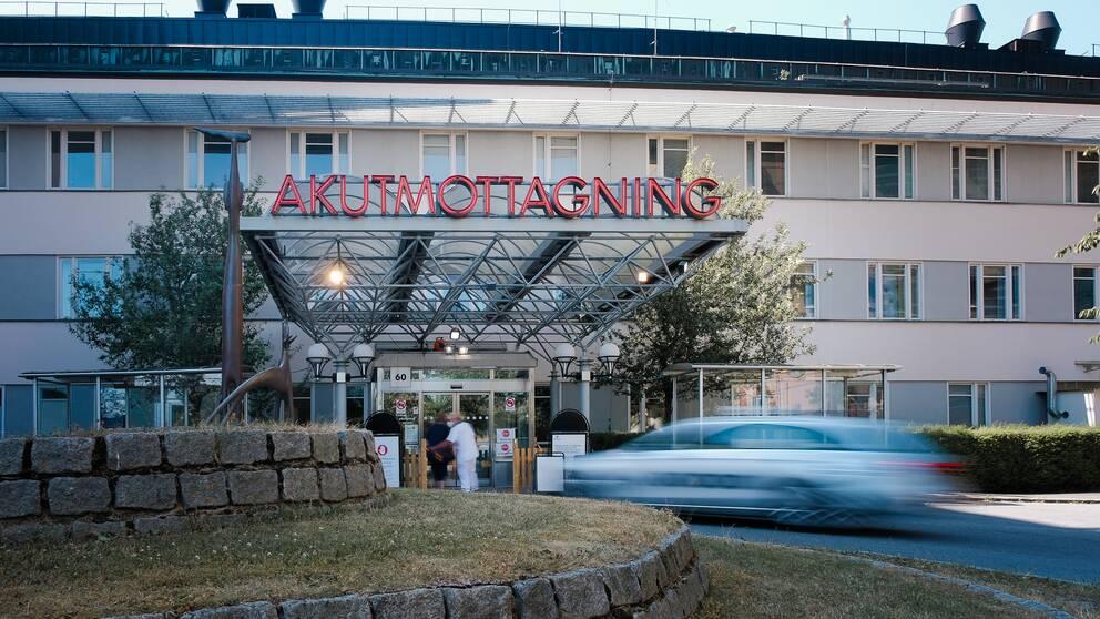 Ingången vid Akademiska sjukhusets akutmottagning.