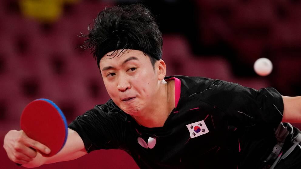 En grekisk kommentator uttalade sig rasisiskt om bordtennisspelaren Jeoung Youngsik.