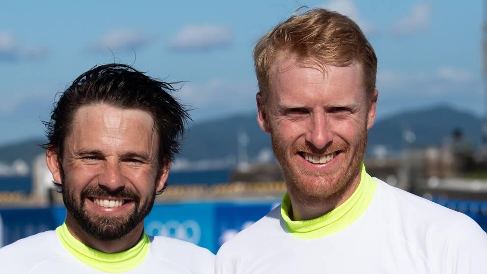 Anton Dahlberg och Fredrik Bergström inledde OS-seglingarna starkt.