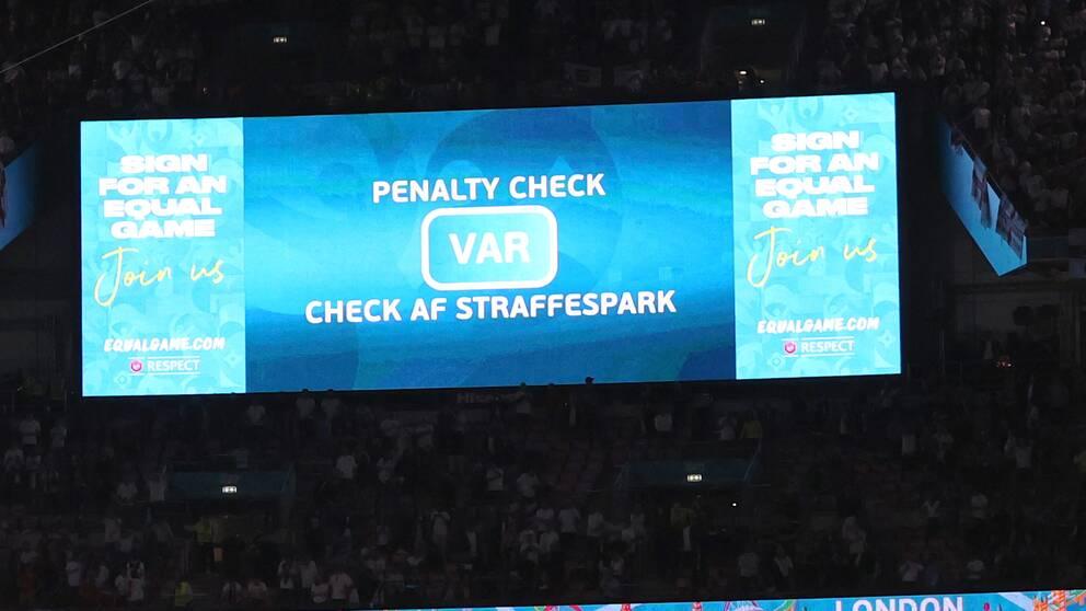 Uefa har beslutat att införa VAR-systemet i VM-kvalet.