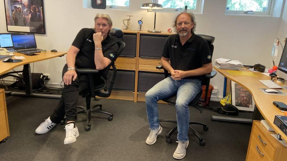 Stefan Lundin och Björn Gustavsson sitter i var sin kontorsstol och tittar in i kameran.