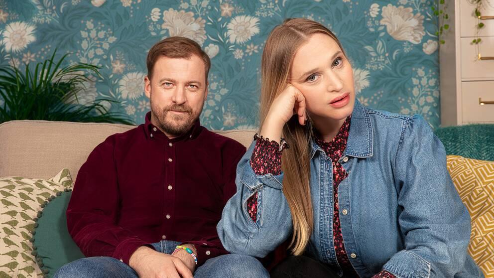 Patrik (Erik Johansson) och Lisa (Vera Vitali) i Bonusfamiljen.