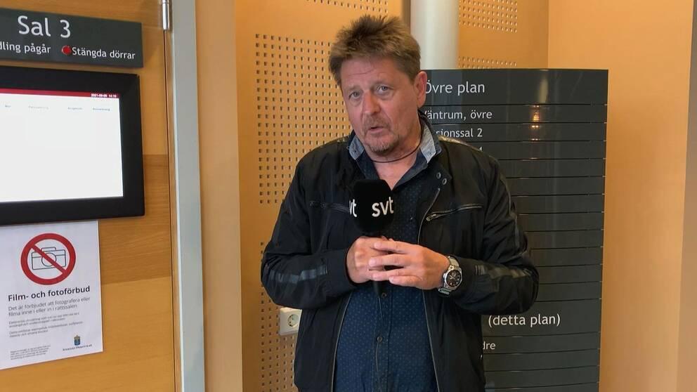 SVT:s reporter Pierre Ragnehag.
