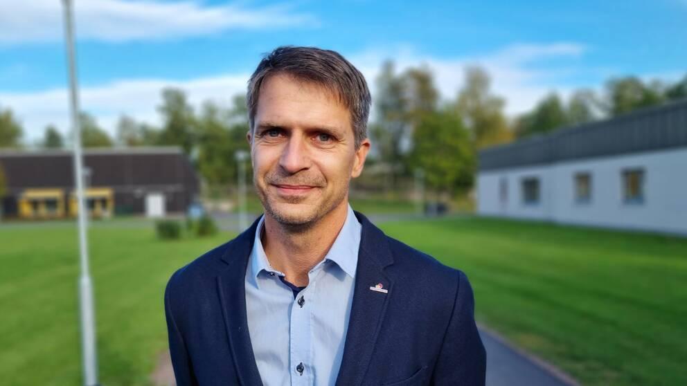 Nu när drygt 80 procent av befolkningen i Kalmar län är vaccinerad kan man börja inrikta sig på de vita fläckarna på vaccinationskartan, säger Niklas Föghner, primärvårdsdirektör.