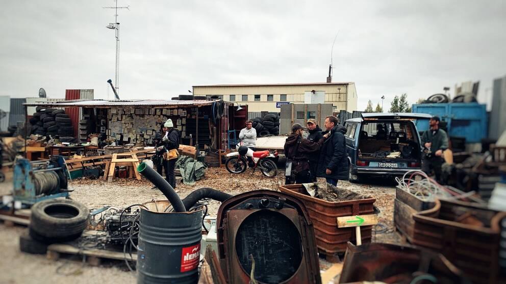 En av CrazyPictures filminspelningsplatser, en bilskrot, i Norrköping för filmen UFO Sweden.