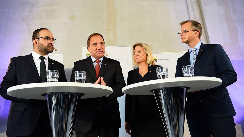 Bostads-, stadsutvecklings- och it-minister Mehmet Kaplan, statsminister Stefan Löfven, finansminister Magdalena Andersson och närings- och innovationsminister Mikael Damberg.