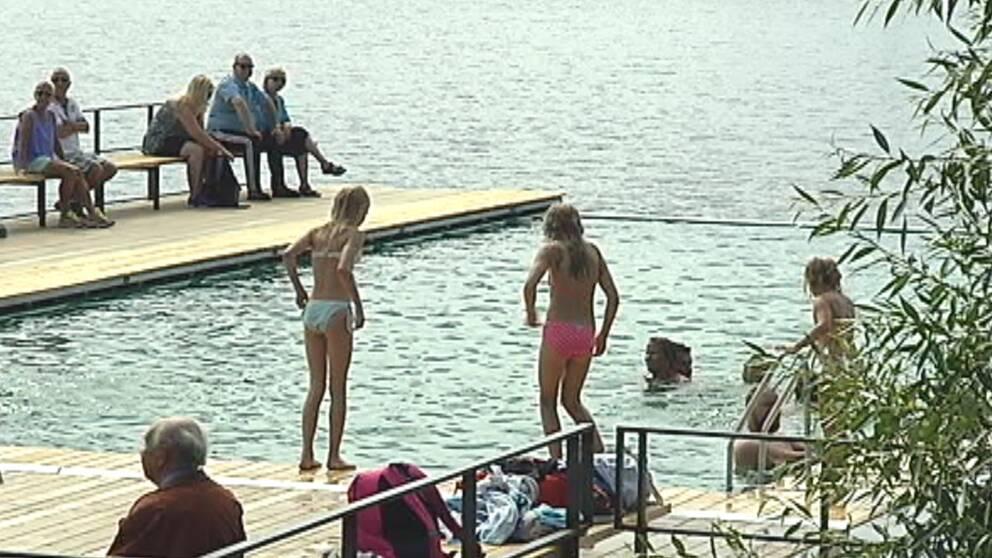 """I den göteborgska värmen den 10 augusti passade ett dopp i """"Pöl Harbour"""" bra."""
