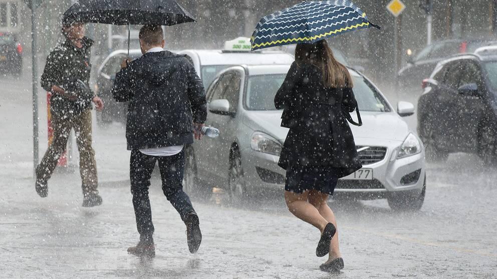 Oversvamningar nar regnet drog in