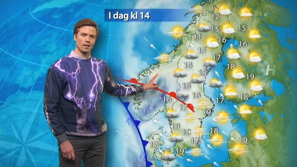 Nils Holmqvist levererade som vanligt – men läsarna reagerade på hans annorlunda outfit.