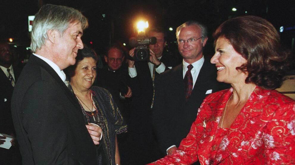 1998: Teatro Avenida i Maputo, Moçambique där författaren tog emot kungaparet vid ett statsbesök.