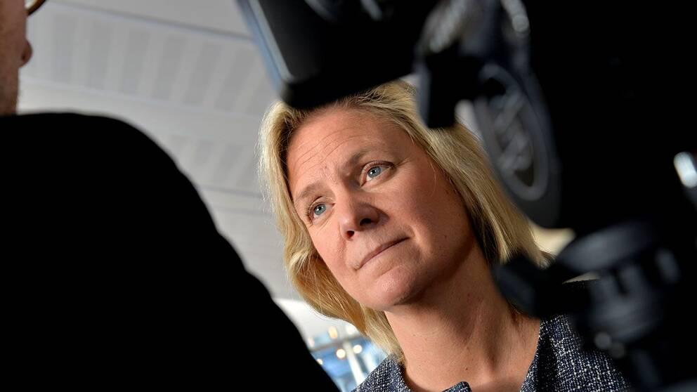 Magdalena Andersson: Risken blir större att man behöver göra ytterligare för att hantera hushållens skuldsättning.