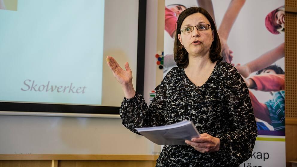 Skolverkets generaldirektör Anna Ekström ser, utifrån Migrationsverkets prognos, mycket stora utmaningar.