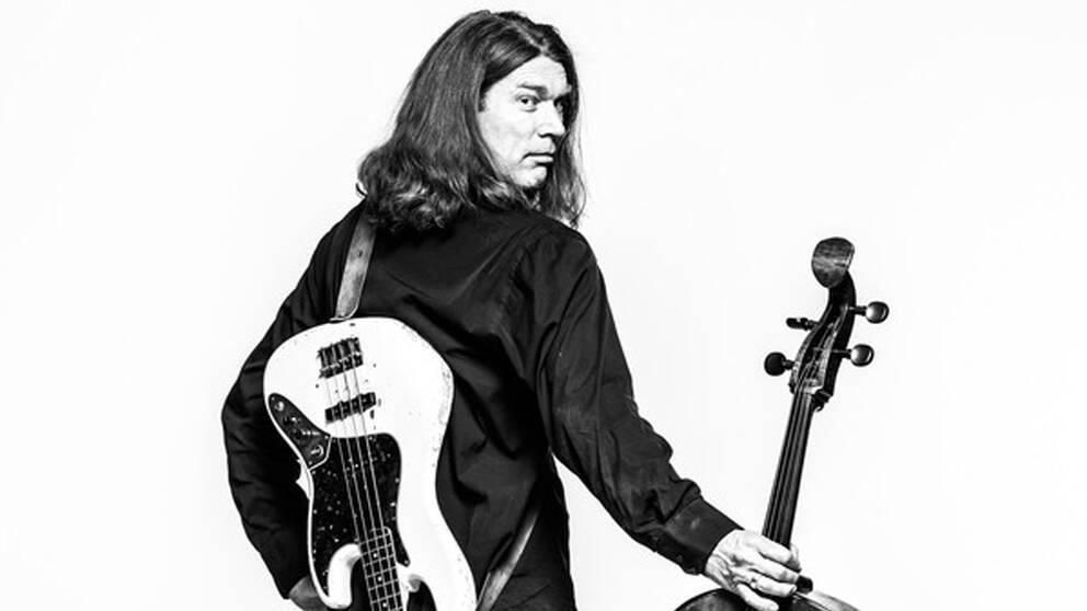 Svante Henrysson har spelat med både Oslos Filharmoniska orkester och med gitarrlegenden Yngwie Malmsteen.