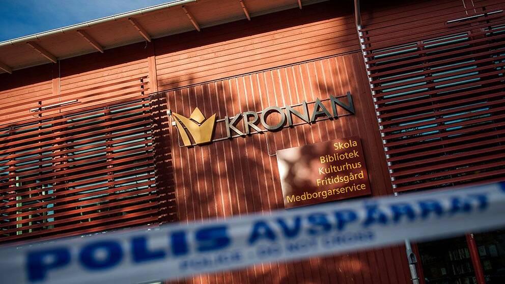 Tre personer mördades på skolan Kronan i Trollhättan.