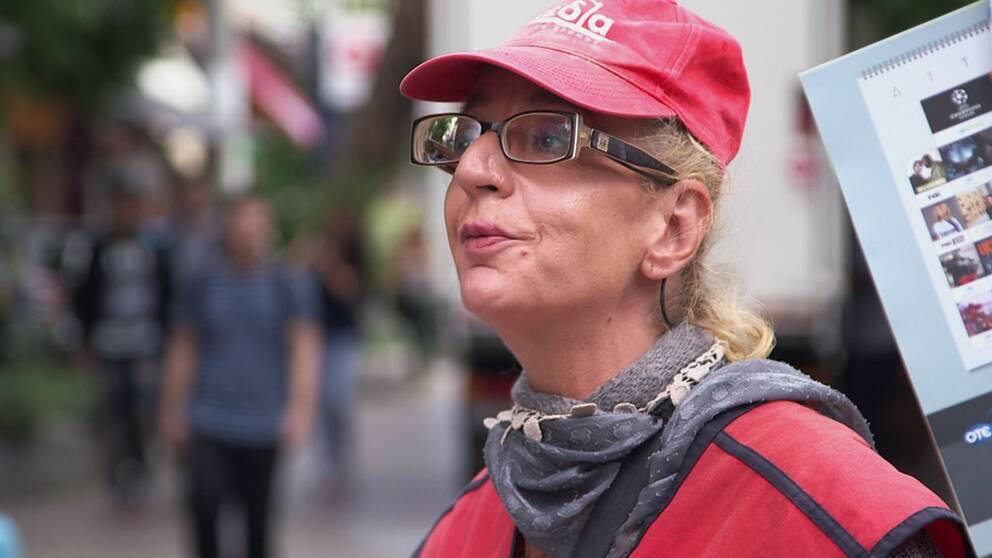 Innan den ekonomiska krisen var Despina Merkouri marknadschef. Nu försörjer hon sig på att sälja gatutidningen Skedia.