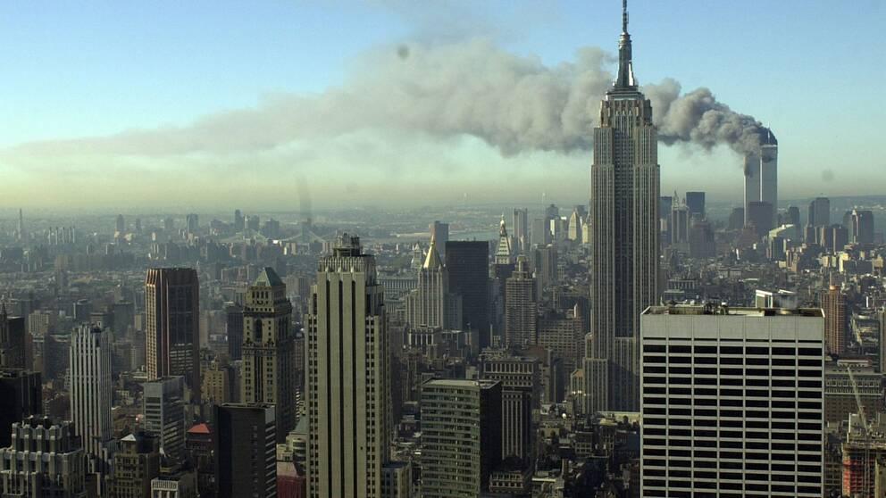 2001 attackerades World Trade Center i USA.