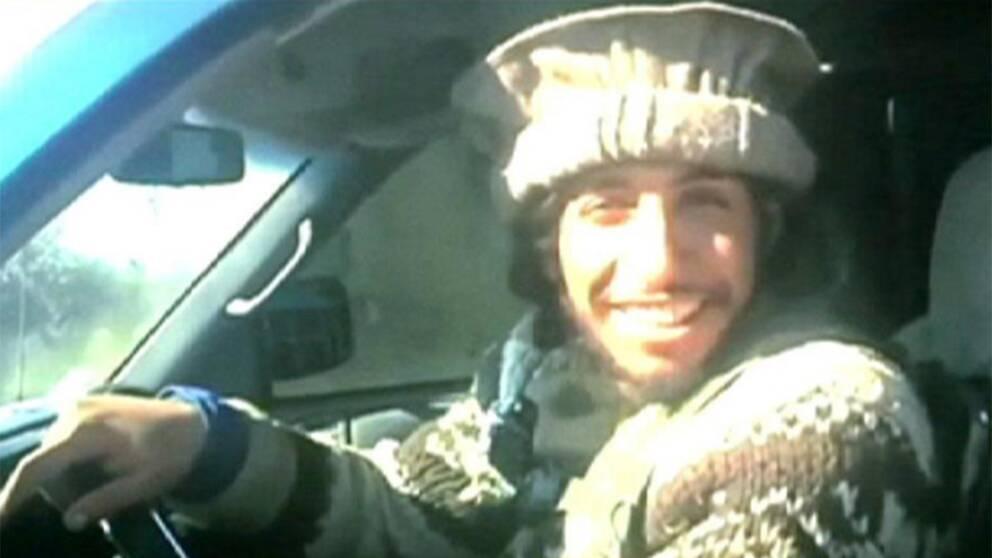 Franska myndigheter pekar ut 27-årige belgaren Abdelhamid Abaaoud som hjärnan bakom attackerna.