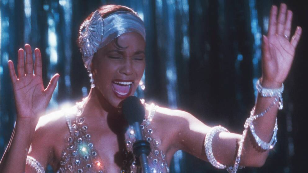 Whitney Houston sjunger.