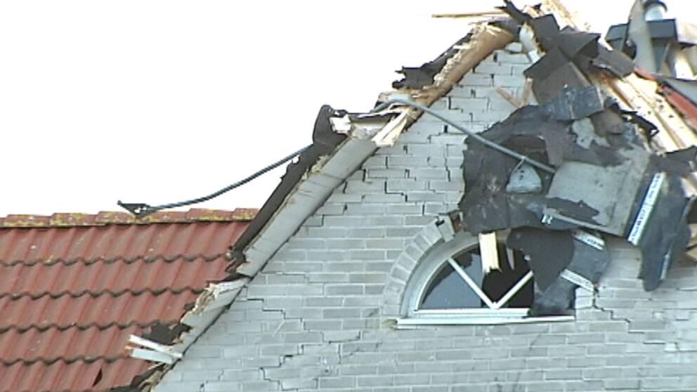 I Helsingborg blåste det orkanbyar på smått osannolika 36 m/s när Gorm passerade den 29–30 november. Ett tak från ett flerfamiljshus kraschlandade rakt in i en närbelägen villa, som fick omfattande skador.