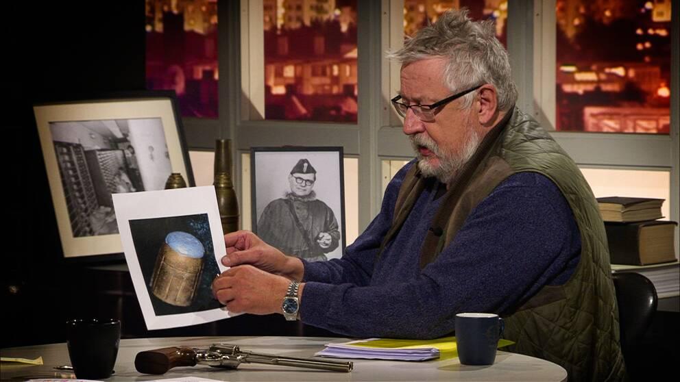 Kulan som Leif GW Persson fick av en anonym tipsare liknar med viss sannolikhet den kula som dödade Olof Palme..