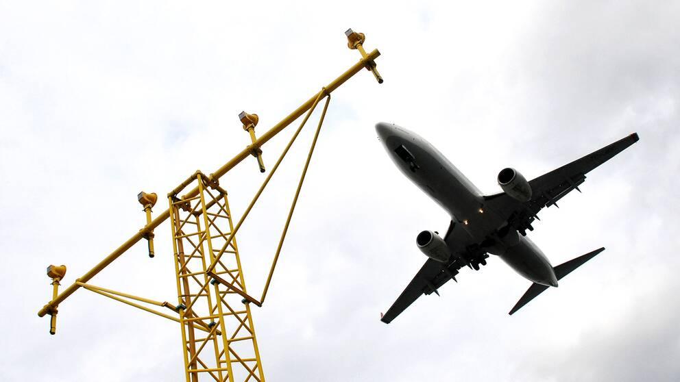 Flygplan på väg in för landning på Arlanda