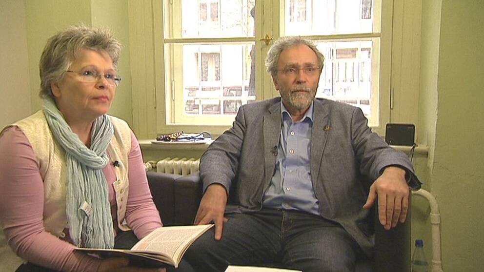Tatjana Sterneberg och Carl-Wolfgang Holzapfel var bägge politiska fångar och har länge arbetat för de förföljdas rättigheter.