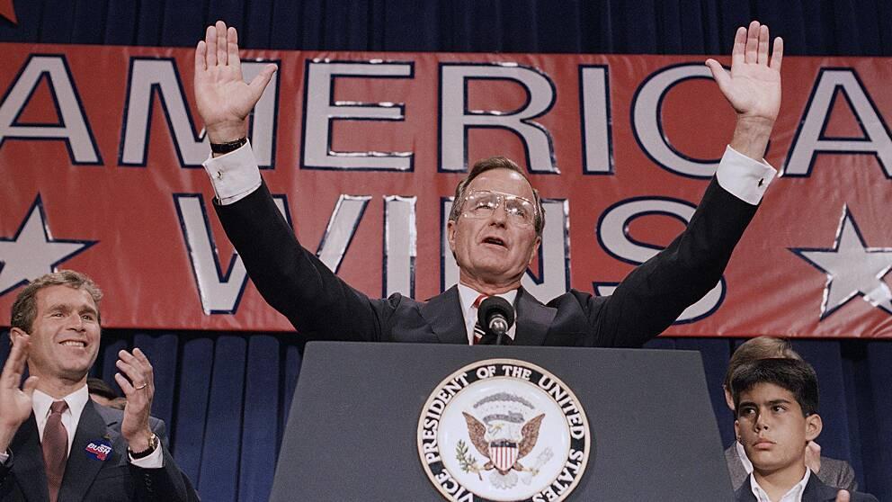 George H.W. Bush (1924-). Republikan – president mellan 20 januari 1989 och 20 januari 1993. Vicepresident Dan Quayle.