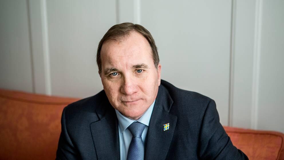 """""""Nu är det dags för EU-kommissionen att ta beslut, det skulle vara bra för Sverige och bra för att visa att besluten om omfördelning av flyktingar fungerar"""", säger Stefan Löfven efter EU-toppmötet i Bryssel i natt."""