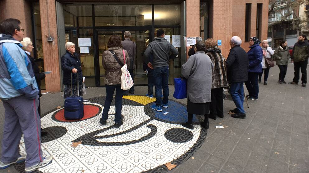 Tiotals miljoner spanjorer går till valurnorna i dag.