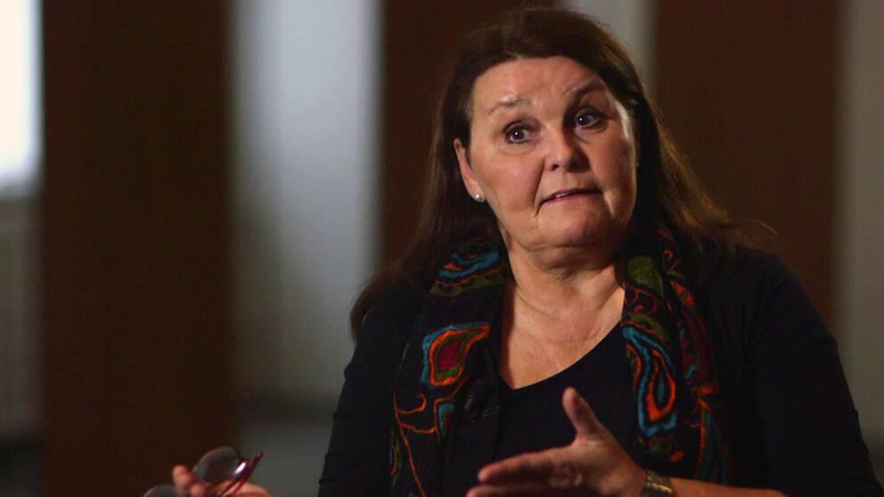 Boverkets chef Janna Valik vill att det ska byggas billigare bostäder.