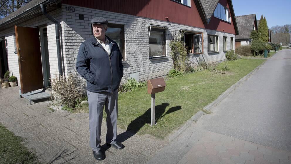 En man som heter Rolf Lassgård som en man som heter Ove.