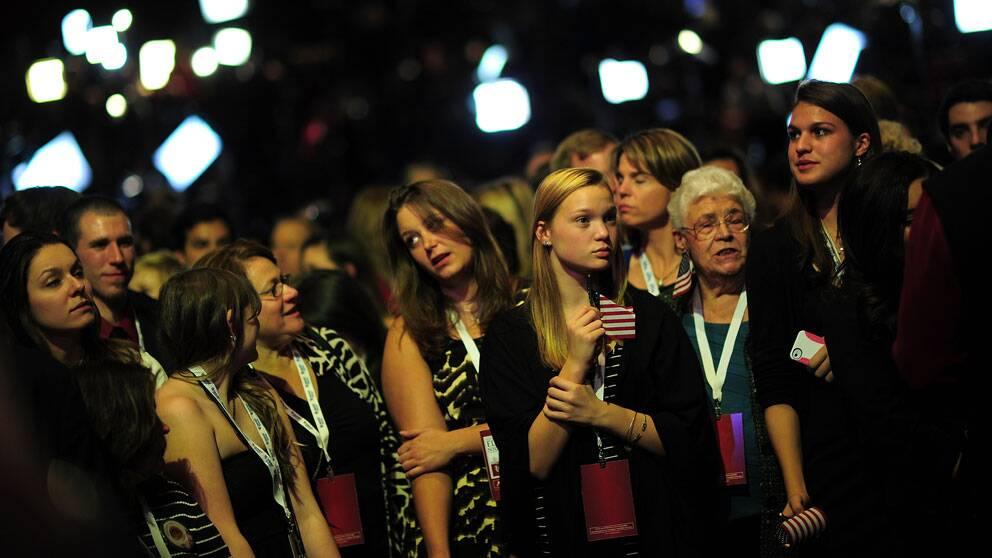 Besvikna anhängare till Mitt Romney i Boston.
