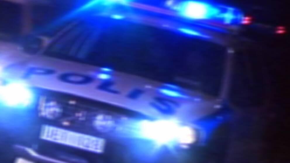 Kvinna gripen for mordforsok pa tva personer