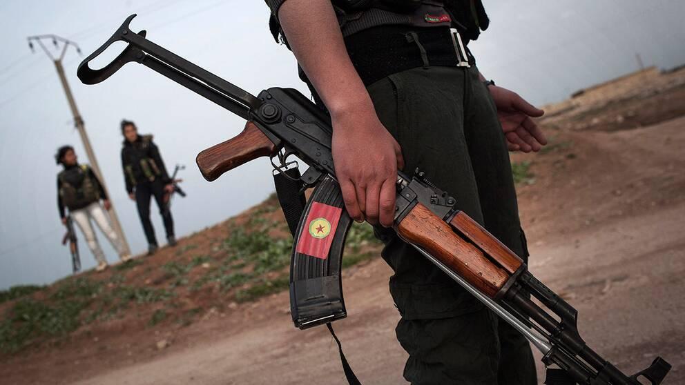 47 dodade i strid mellan miliser