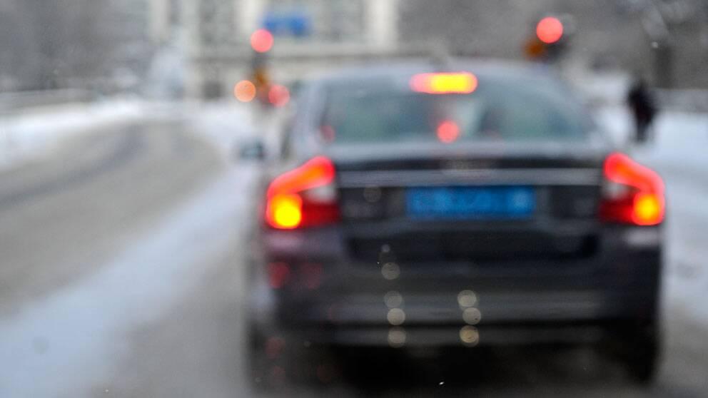 En undersökning visar att var tionde bilförare kör bil trots att de är medvetna om att de inte ser tillräckligt bra.