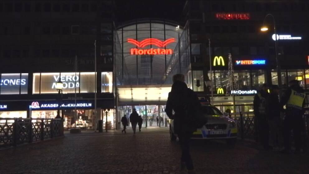Moderaterna i Göteborg vill bland annat stänga Nordstan på natten.