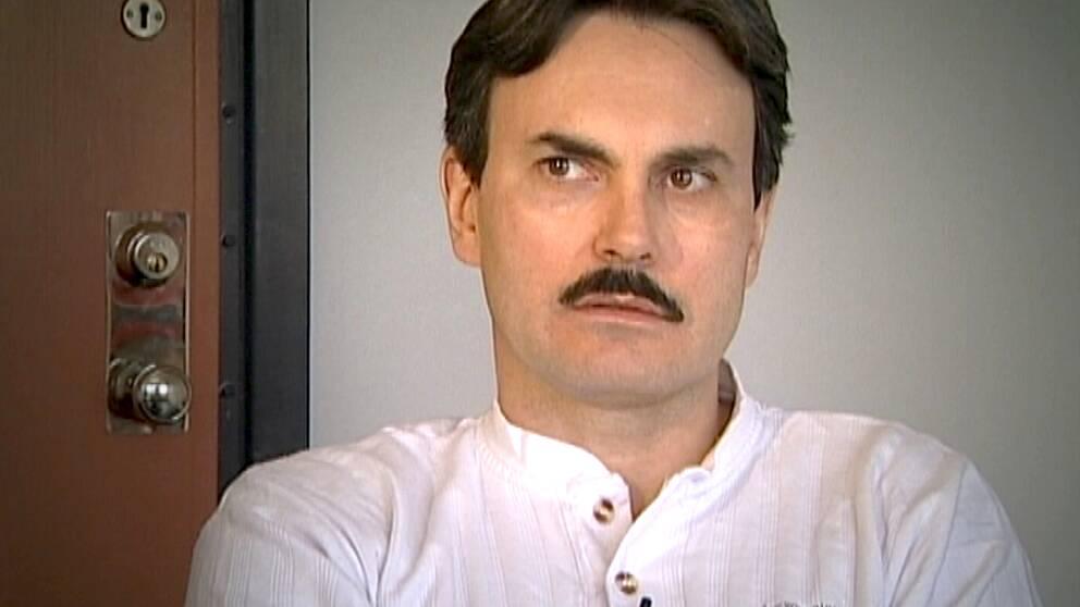 Lasermannen, John Ausonius, på Kumlaanstalten 2001.