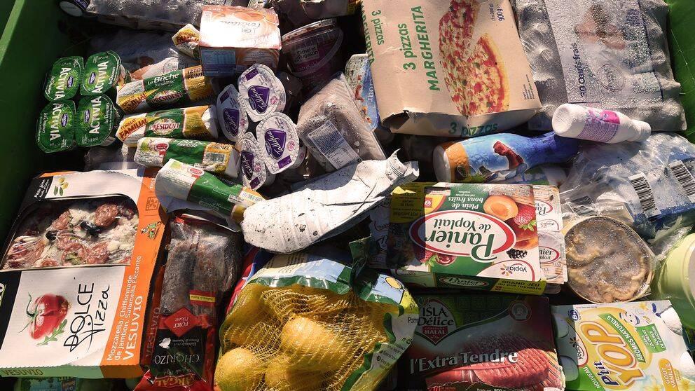 Den globala matproduktionen som inte konsumeras orsakar över 3 miljarder ton växthusgaser.