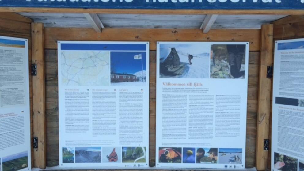 Informationstavla i Vålådalens naturreservat