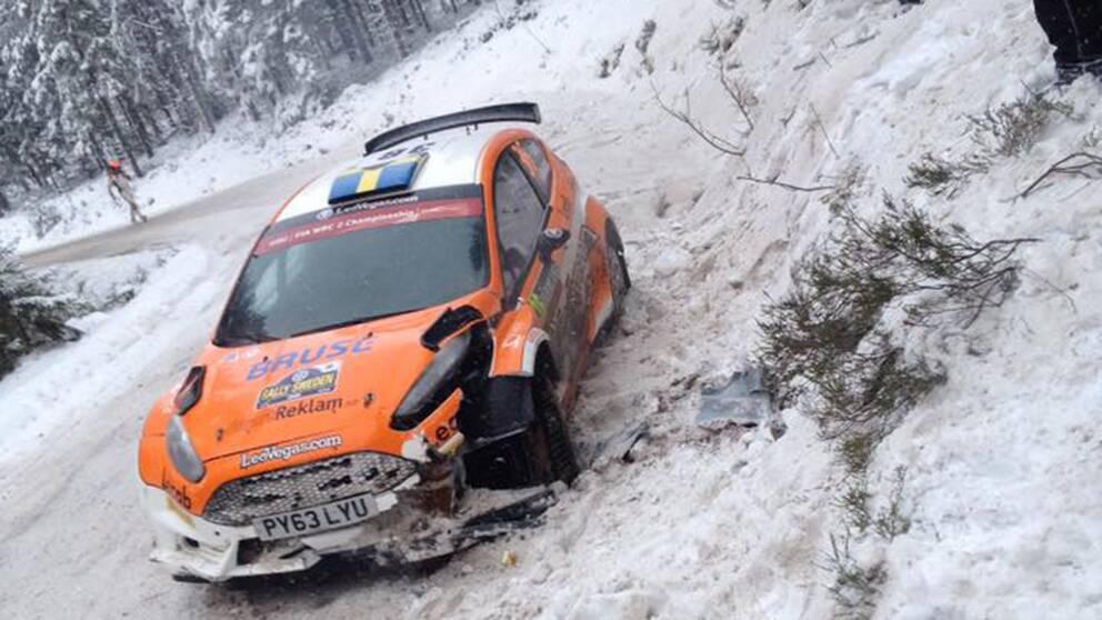 Fredrik Åhlins krashade bil på Vargåsen