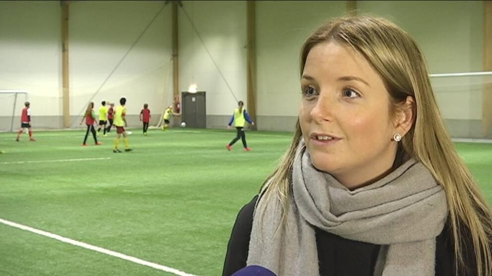 Ellinor Johansson är en av deltagarna i den nya fotbollssatsningen. Foto   SVT 0156dc7bafa21
