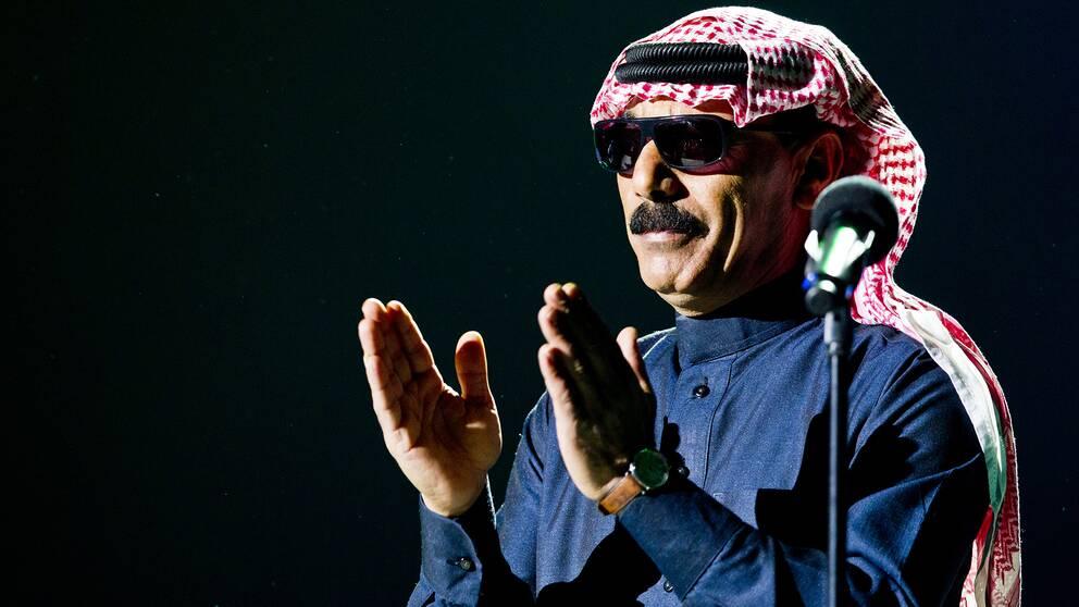 Omar Souleyman under sin spelning på Nobels fredspriskonsert.