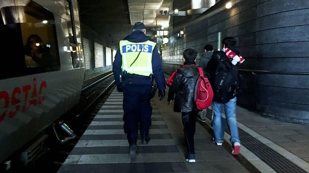 Trenden med att allt fler ensamkommande barn och unga tar tillbaka sin asylansökan fortsätter.